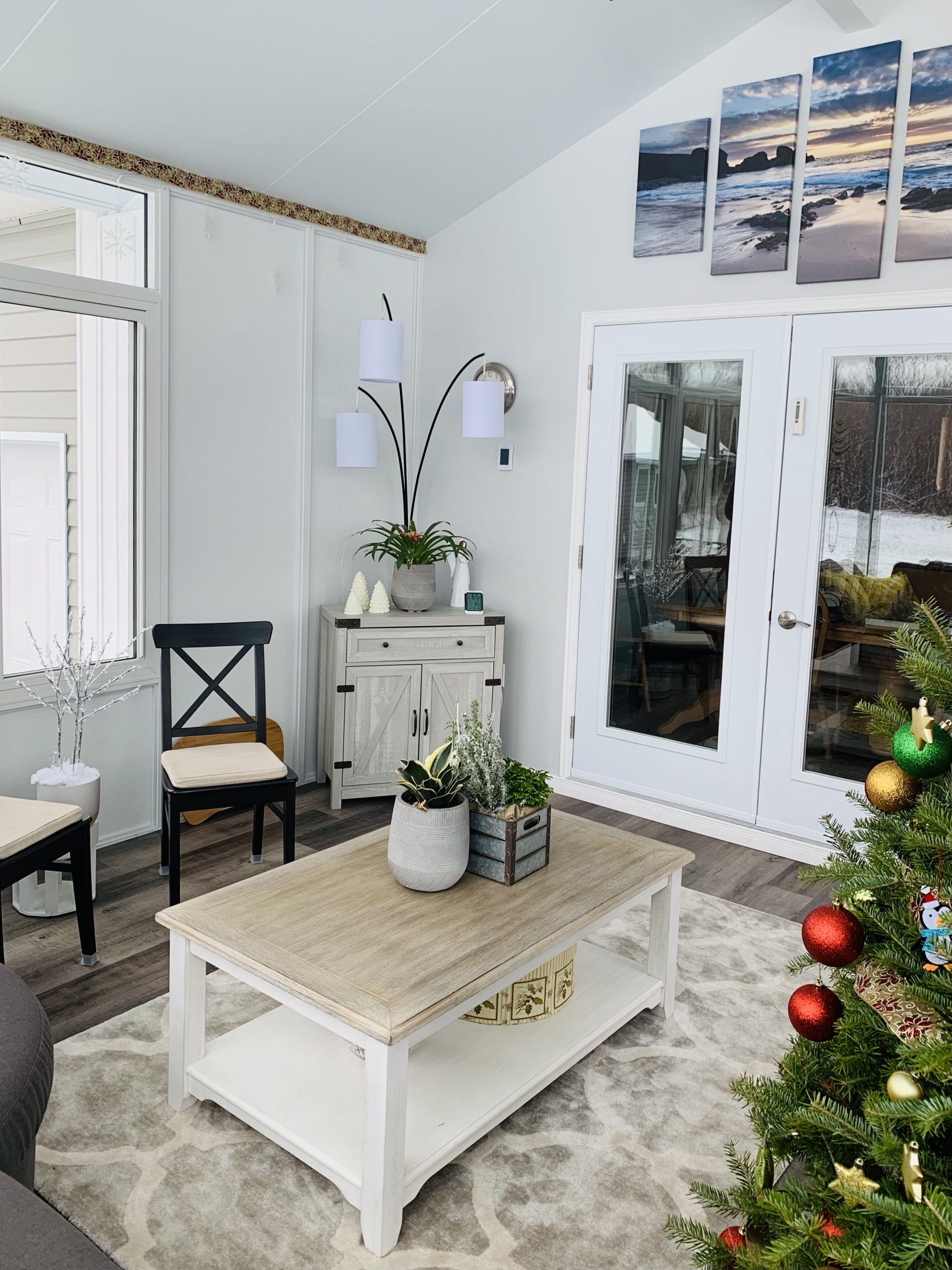 inside 4 season sunroom winter